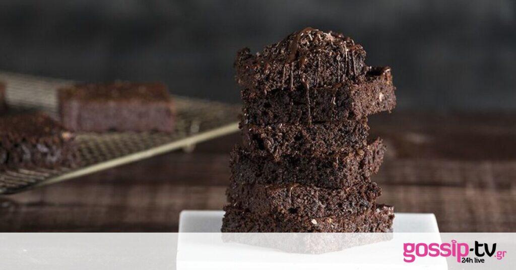 Brownies με αβοκάντο χωρίς μίξερ από τον Άκη Πετρετζίκη