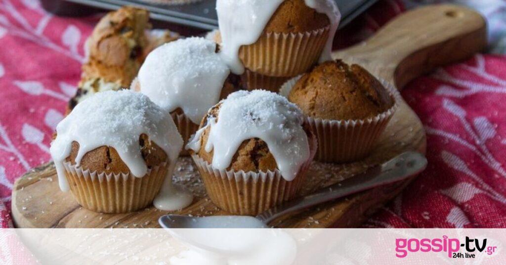 Muffins καρύδας από τον Άκη Πετρετζίκη