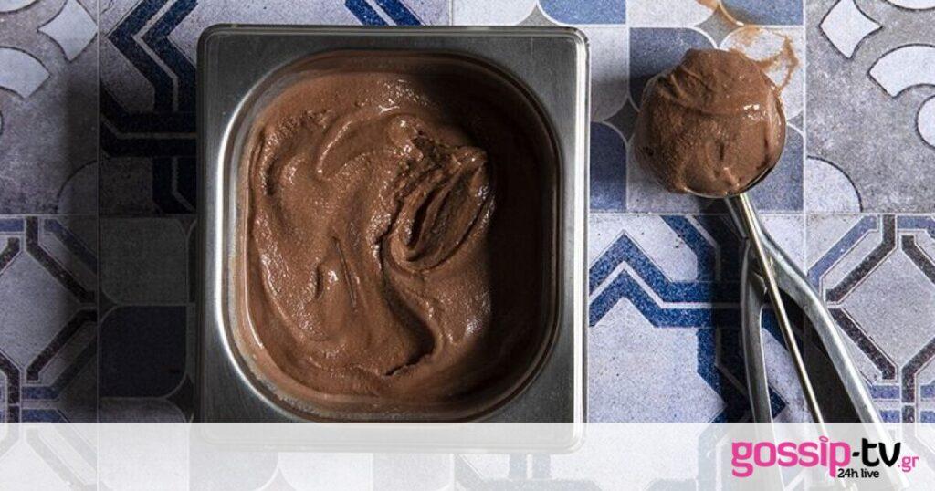 Gelato κακάο ρούμι από τον Άκη Πετρετζίκη