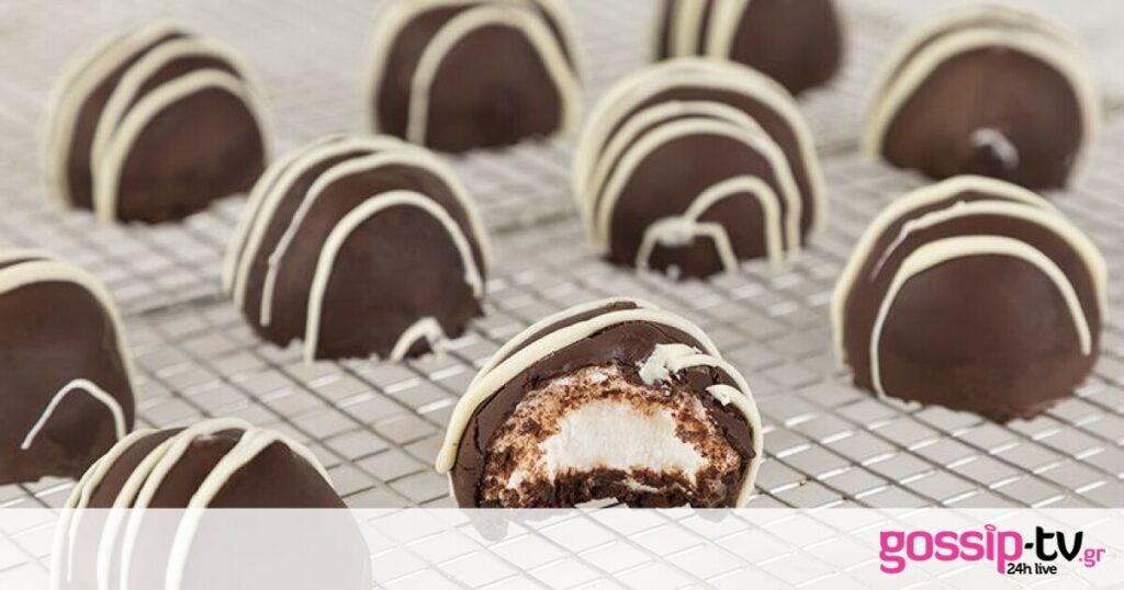 Λαχταριστικά σοκολατάκια με marshmallows από τον Άκη Πετρετζίκη